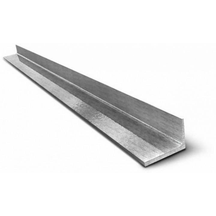 Уголок металлический 32х32х3мм